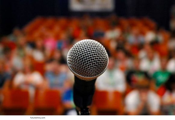 What characteristics should a good speaker have?